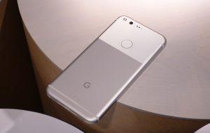چرا گوشیهای پیکسل گوگل ضد آب نیستند؟